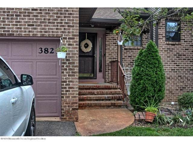 382 Oak Knoll Drive 38-2, Manalapan, NJ 07726 (MLS #22032926) :: Kiliszek Real Estate Experts