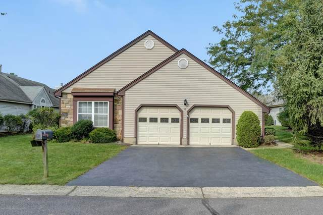 16 Abraham Lincoln Court, Monroe, NJ 08831 (MLS #22033024) :: The Streetlight Team at Formula Realty