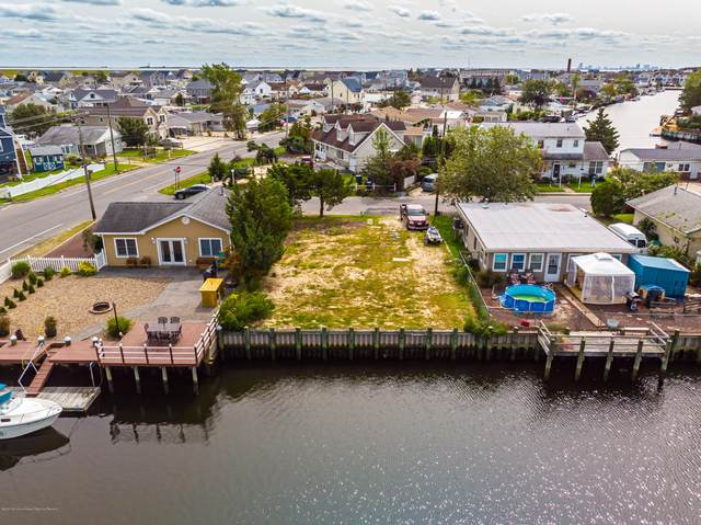 4 W Sail Drive, Little Egg Harbor, NJ 08087 (MLS #22033282) :: The Dekanski Home Selling Team