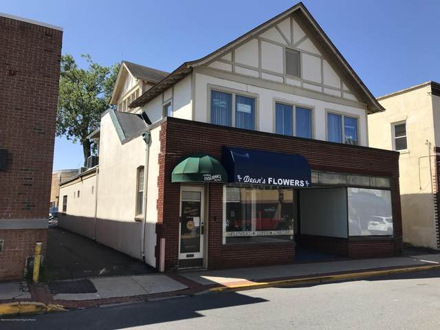 15 Monmouth Street, Red Bank, NJ 07701 (MLS #22033438) :: The MEEHAN Group of RE/MAX New Beginnings Realty