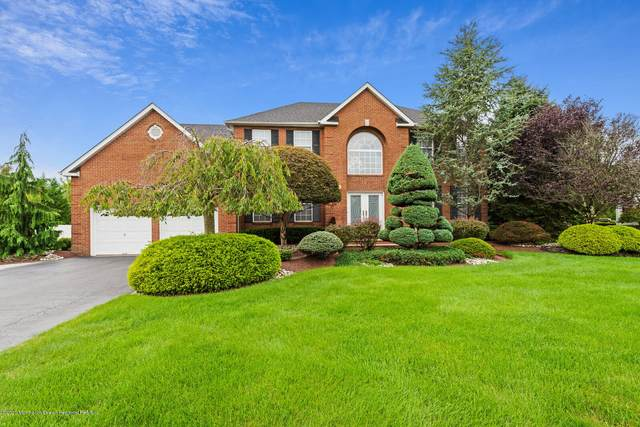 811 Oakley Drive, Freehold, NJ 07728 (MLS #22033497) :: The Sikora Group