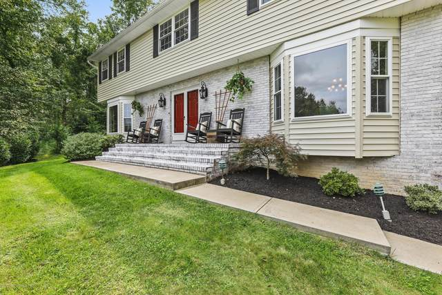 26 Goldsmith Drive, Holmdel, NJ 07733 (MLS #22033579) :: The MEEHAN Group of RE/MAX New Beginnings Realty