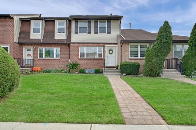 834 Shannon Court, Brick, NJ 08724 (MLS #22033606) :: The MEEHAN Group of RE/MAX New Beginnings Realty