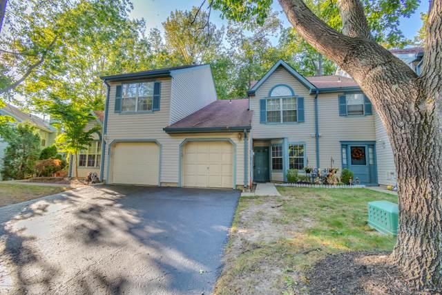 15 Ross Terrace, Manalapan, NJ 07726 (MLS #22033974) :: William Hagan Group