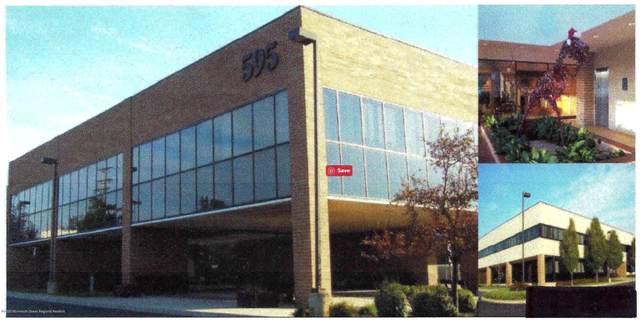 595 Shrewsbury Avenue, Shrewsbury Boro, NJ 07702 (MLS #22034357) :: William Hagan Group