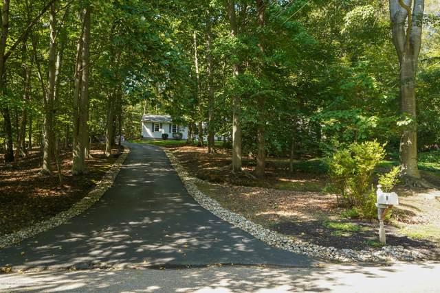 11 Stilwell Drive, Holmdel, NJ 07733 (MLS #22034772) :: The Sikora Group