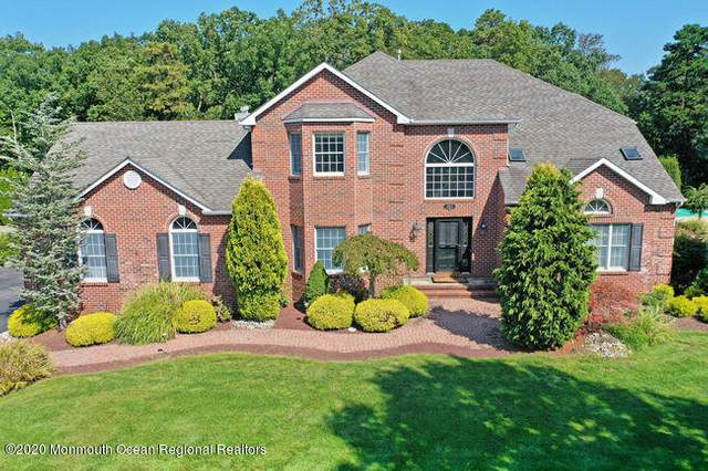 302 Valley View Circle, Freehold, NJ 07728 (MLS #22035158) :: The Sikora Group