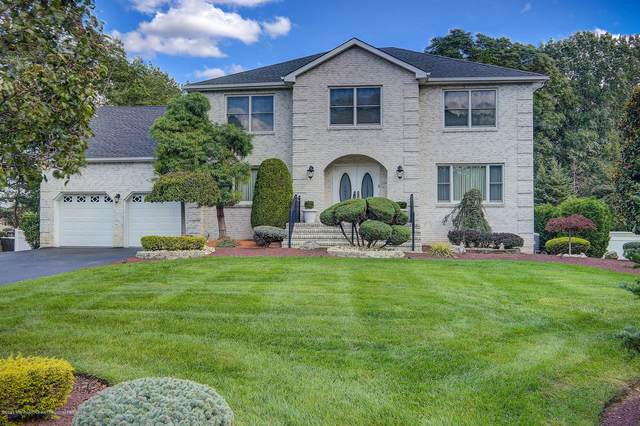 18 Country Oaks Drive, Manalapan, NJ 07726 (MLS #22035422) :: Provident Legacy Real Estate Services, LLC