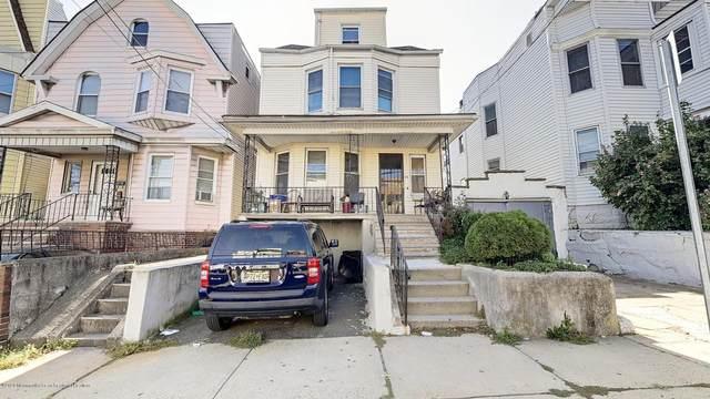 33 Bayview Avenue, Jersey City, NJ 07305 (MLS #22035427) :: William Hagan Group