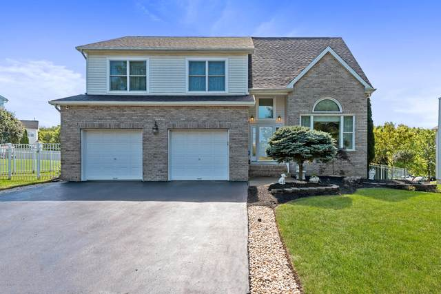 40 Gate Lane, Old Bridge, NJ 08857 (MLS #22035523) :: Provident Legacy Real Estate Services, LLC