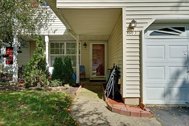 533 Woodbine Lane, Lakewood, NJ 08701 (MLS #22035619) :: Kiliszek Real Estate Experts