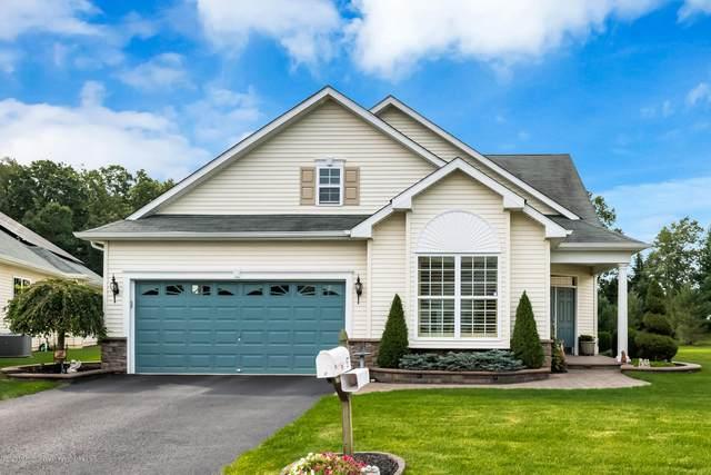67 Eagle Ridge Circle, Lakewood, NJ 08701 (MLS #22036095) :: The Dekanski Home Selling Team