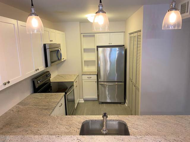 32 Center Avenue #6, Atlantic Highlands, NJ 07716 (MLS #22036141) :: Kiliszek Real Estate Experts