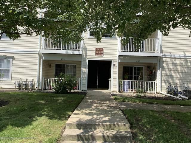 445 Saint Andrews Place, Manalapan, NJ 07726 (MLS #22036866) :: Kiliszek Real Estate Experts