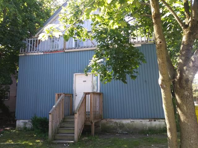 300 Ocean Avenue, Lakewood, NJ 08701 (MLS #22037949) :: The Sikora Group