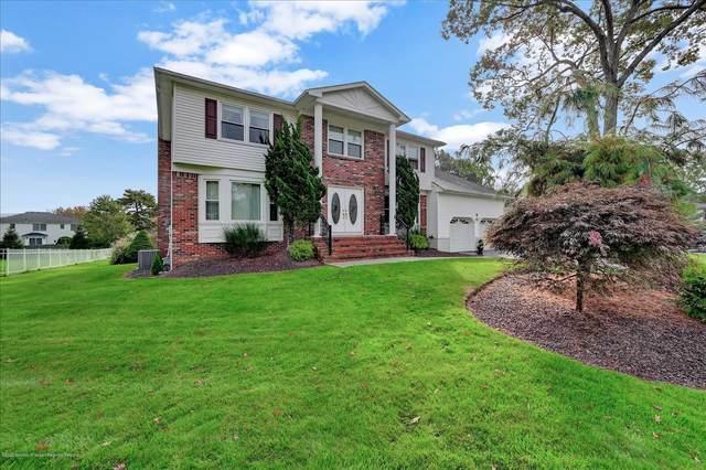 16 Country Oaks Drive, Manalapan, NJ 07726 (MLS #22037972) :: William Hagan Group