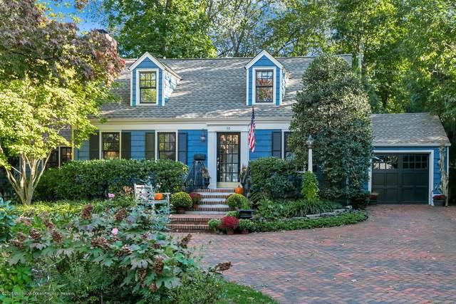 10 Oakwood Lane, Rumson, NJ 07760 (MLS #22037991) :: Kiliszek Real Estate Experts