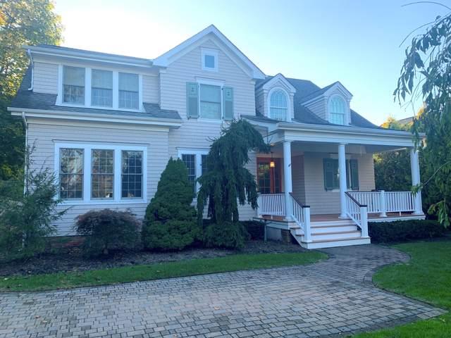 63 E River Road, Rumson, NJ 07760 (MLS #22038004) :: Kiliszek Real Estate Experts