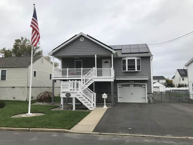 16 Gordon Court, Middletown, NJ 07748 (MLS #22038543) :: The MEEHAN Group of RE/MAX New Beginnings Realty