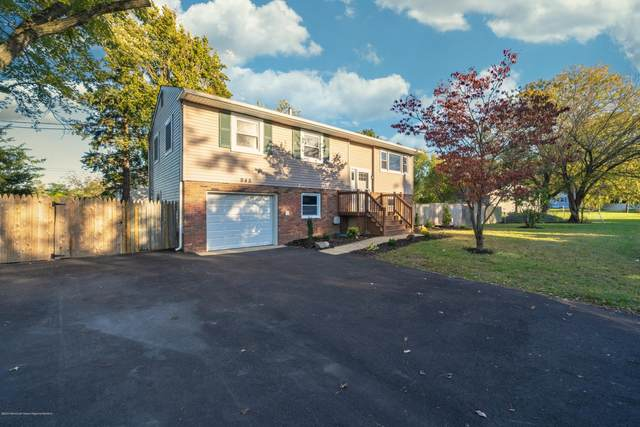 945 Park Crest Road, Toms River, NJ 08753 (MLS #22038790) :: Kiliszek Real Estate Experts