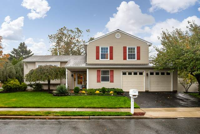 1 Cove Court, Howell, NJ 07731 (MLS #22040209) :: Team Gio | RE/MAX