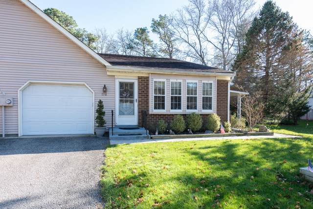 15B Canton Drive, Whiting, NJ 08759 (MLS #22041035) :: Caitlyn Mulligan with RE/MAX Revolution