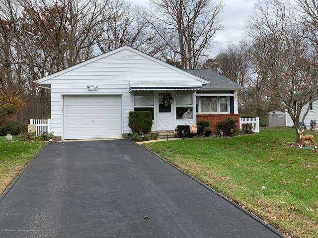 35 Yucca Court, Toms River, NJ 08755 (MLS #22041116) :: The Streetlight Team at Formula Realty
