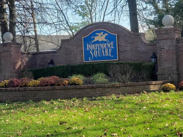 30 Remington Drive #5, Freehold, NJ 07728 (MLS #22041584) :: William Hagan Group