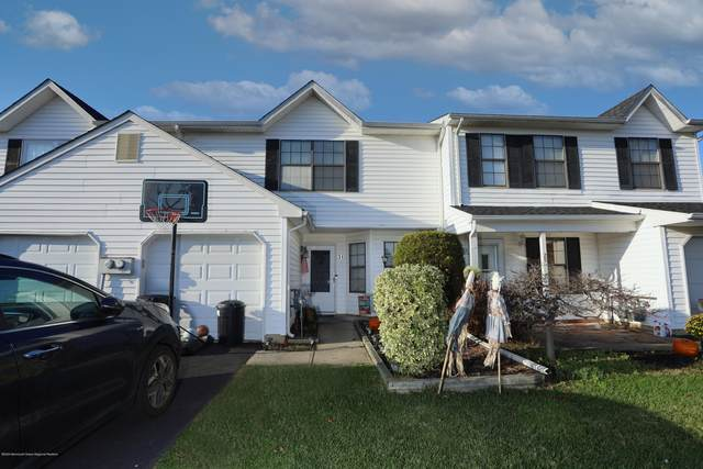 31 Seabreeze Square, Howell, NJ 07731 (MLS #22041828) :: The Streetlight Team at Formula Realty