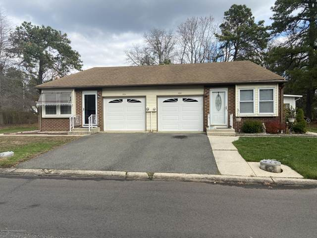 30A Canton Drive #51, Whiting, NJ 08759 (MLS #22041905) :: William Hagan Group