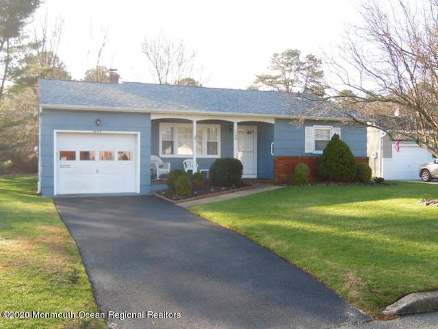 1049 Edgebrook Drive E, Toms River, NJ 08757 (MLS #22042866) :: The DeMoro Realty Group | Keller Williams Realty West Monmouth