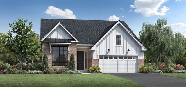 15 Grandview Circle, Farmingdale, NJ 07727 (MLS #22043690) :: William Hagan Group