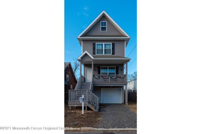 100 Brainard Avenue, Port Monmouth, NJ 07758 (MLS #22100641) :: The MEEHAN Group of RE/MAX New Beginnings Realty