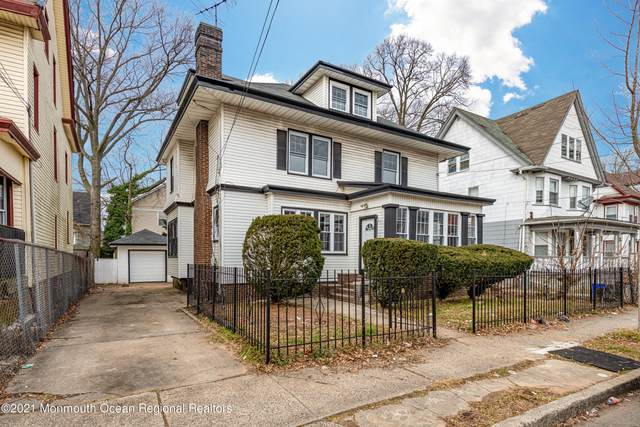 835 S 11th Street, Newark, NJ 07108 (MLS #22101364) :: Team Pagano