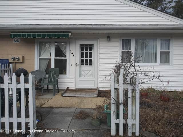 66 Kennedy Drive B, Whiting, NJ 08759 (MLS #22101625) :: The MEEHAN Group of RE/MAX New Beginnings Realty