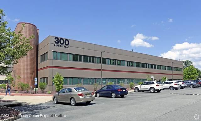 300 Perrine Road #311, Old Bridge, NJ 08857 (MLS #22101640) :: The MEEHAN Group of RE/MAX New Beginnings Realty