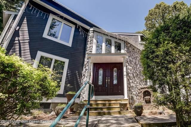 4 Longview Drive, Holmdel, NJ 07733 (MLS #22102058) :: Parikh Real Estate
