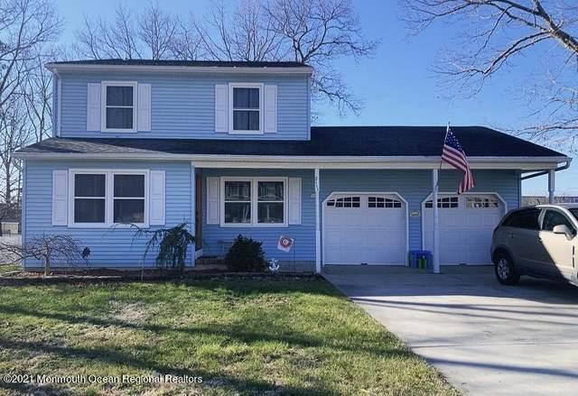 2111 Oak Knoll Drive, Toms River, NJ 08757 (MLS #22102070) :: The Dekanski Home Selling Team