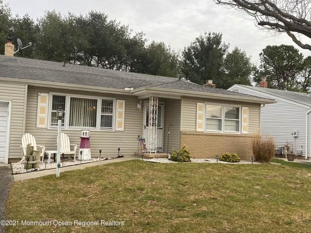 82 Castleton Drive, Toms River, NJ 08757 (MLS #22102111) :: The MEEHAN Group of RE/MAX New Beginnings Realty