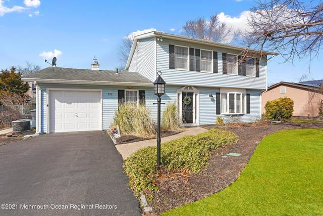 952 Green Hill Boulevard, Toms River, NJ 08753 (MLS #22102118) :: Team Pagano