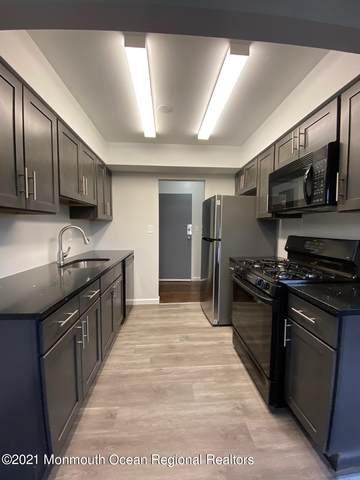 66 Stonehurst Boulevard B, Freehold, NJ 07728 (MLS #22102417) :: The MEEHAN Group of RE/MAX New Beginnings Realty