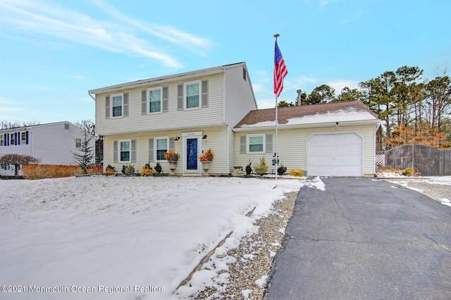 2306 Oak Knoll Drive, Toms River, NJ 08757 (MLS #22104315) :: The DeMoro Realty Group | Keller Williams Realty West Monmouth