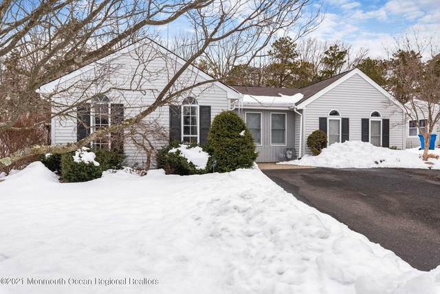 21 Pilgrim Avenue, Tinton Falls, NJ 07753 (MLS #22104607) :: The Sikora Group