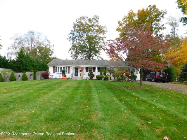 10 Tarrytown Road, Manalapan, NJ 07726 (MLS #22104635) :: The Sikora Group