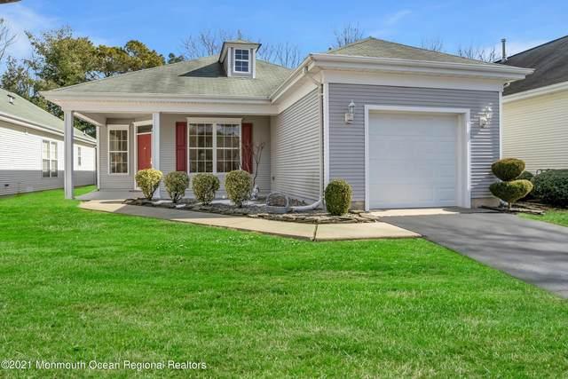 16 Silverwoods Drive, Lakewood, NJ 08701 (MLS #22104670) :: The Sikora Group