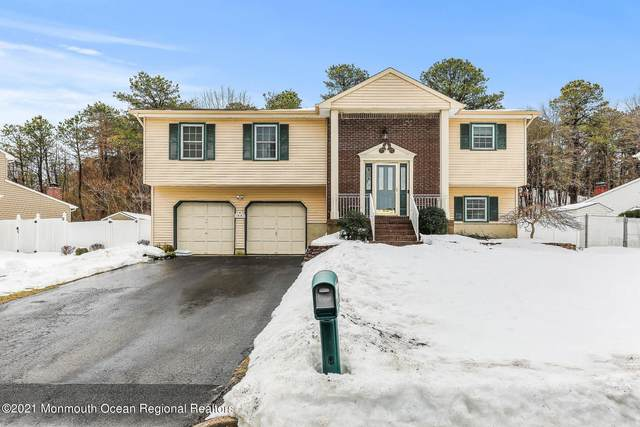 44 Bernard Drive, Tinton Falls, NJ 07753 (MLS #22104680) :: The Sikora Group