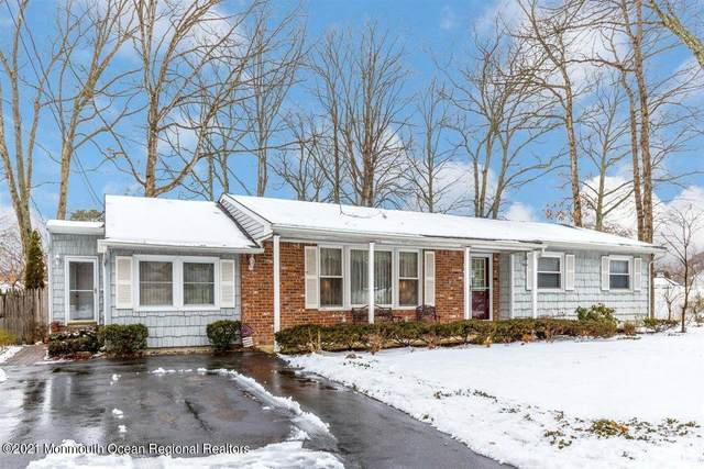 1092 Wake Forest Drive, Toms River, NJ 08753 (MLS #22104901) :: The Sikora Group
