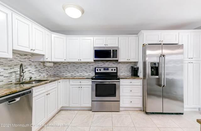 121 Muhlen Platz F, Freehold, NJ 07728 (MLS #22105142) :: Provident Legacy Real Estate Services, LLC