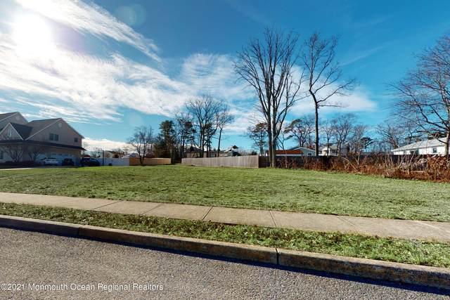1917 Shore Boulevard, Toms River, NJ 08753 (MLS #22105313) :: Kiliszek Real Estate Experts