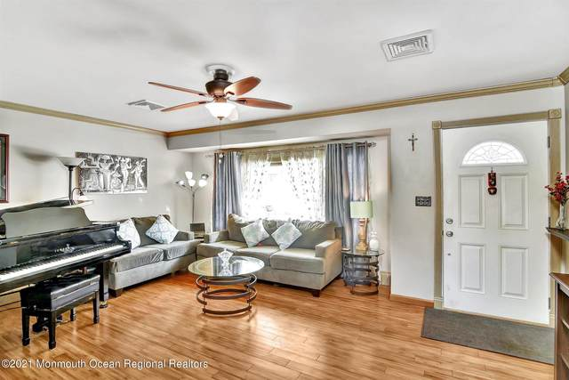 229 8th Street, Piscataway, NJ 08855 (MLS #22105432) :: The MEEHAN Group of RE/MAX New Beginnings Realty